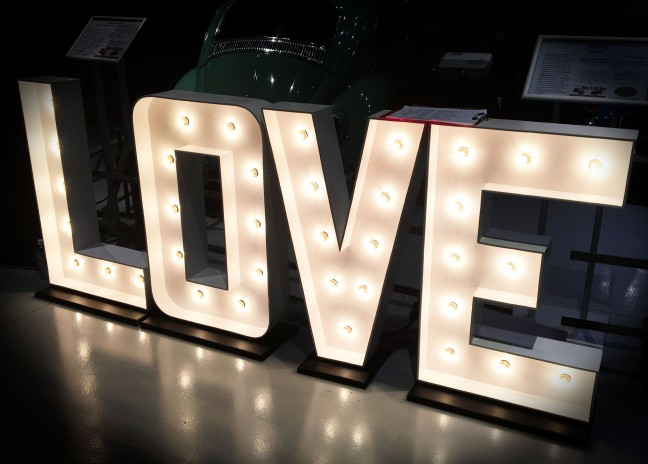 Glowing Illuminated Love light photo lamp