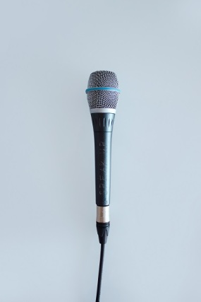 11 Tips to Become a Better Public Speaker